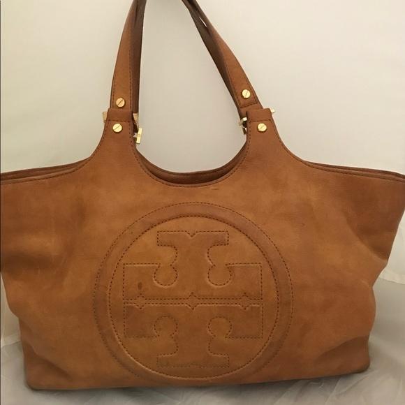 b2a4f63da3e Tory Burch camel leather shoulder bag. M 5abf01975512fd70fdac6c32